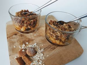 Appelcrumble met havermout en pepernoot